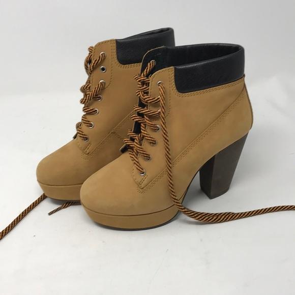 efe7b296730 Steve Madden ladies boots laced NWOT